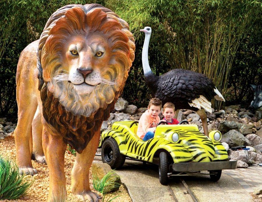 Safaribaan in pretpark Julianatoren