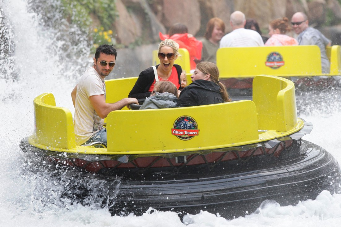 Alton Towers Rapids 15pers