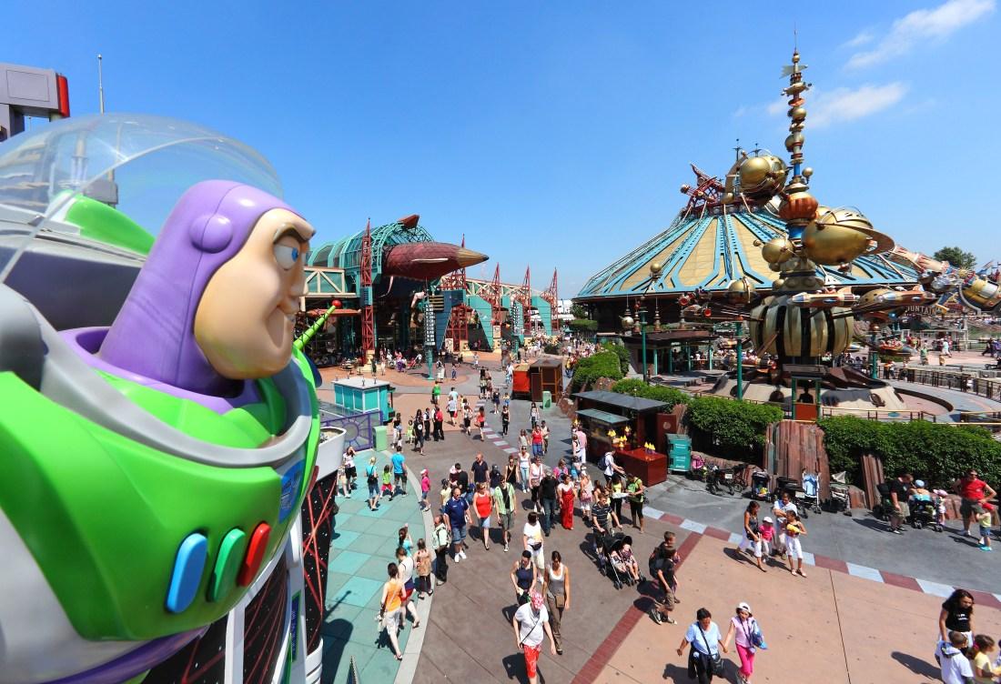Buzz Lightyear en Space Mountain in Disneyland Paris - Foto: (c) Disney