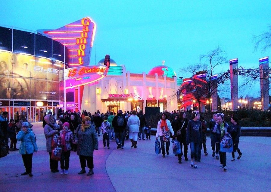Disney Village in Disneyland Paris - Foto: © Adri van Esch
