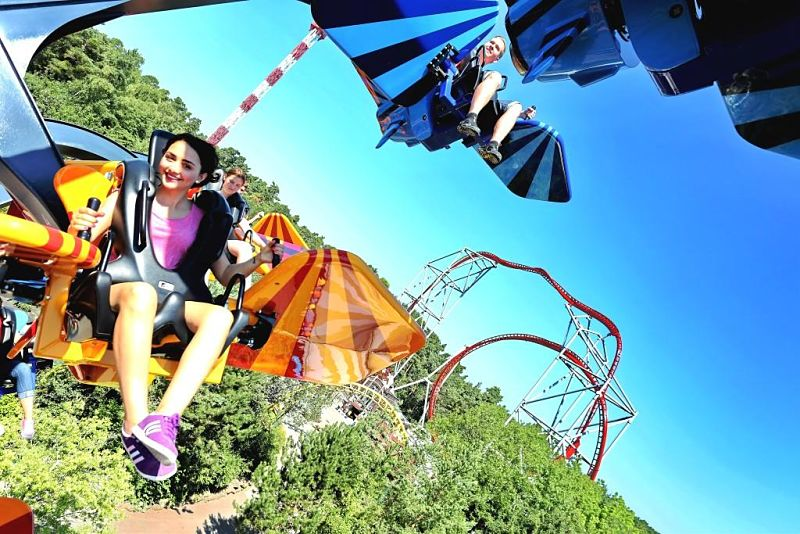 Sky Fly en achtbaan Sky Scream in Holiday Park