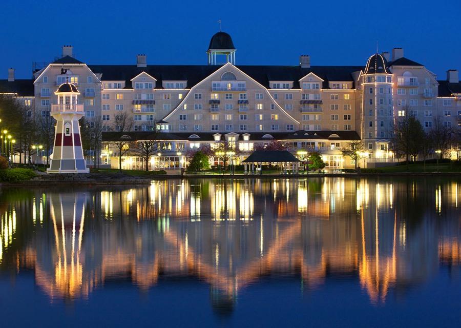 Hotel Newport Bay Club - Foto: © Disney
