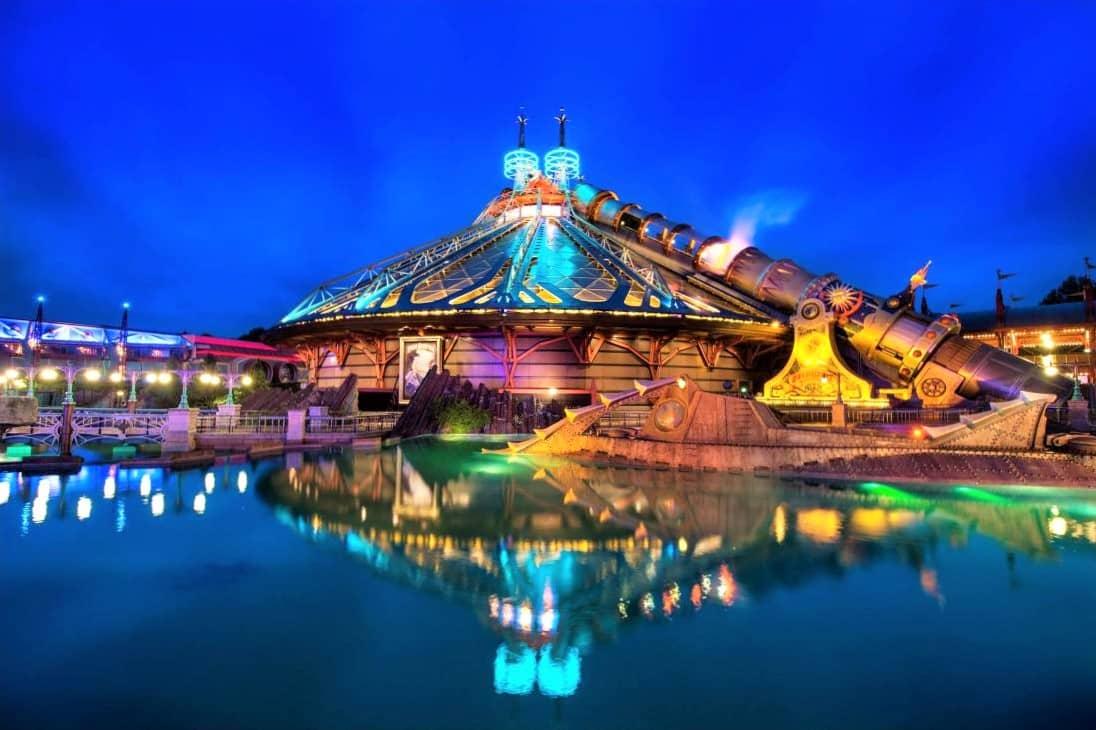 Space Mountain in Disneyland Paris - Foto: © Disney