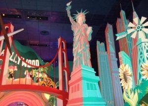 Amerika in It's a Small World in Parijs