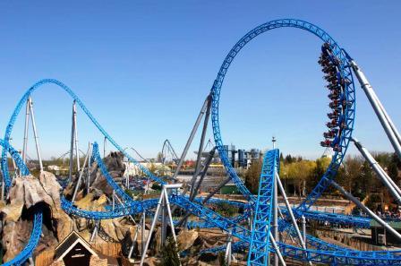 Loopingachtbaan Blue Fire in het Europa-Park
