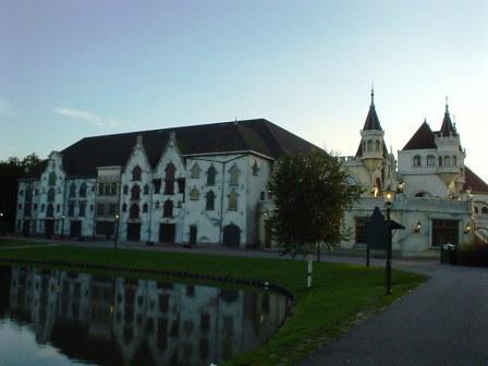 Zijgevel Theater de Efteling
