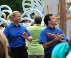 Doventolken bij een Disney-parade