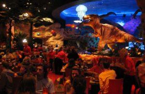 Interieur van T-Rex Café