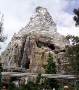 De Matterhorn in Disneyland Anaheim