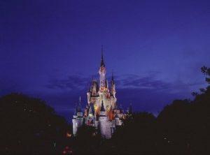 Cinderella Castle in het Magic Kingdom bij avond
