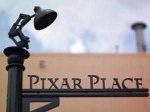 Wegwijzer naar Pixar Place in de Hollywood Studios - Foto: Matt Witmer