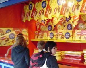 Chocolade winnen bij een kansspel in Liseberg - Foto: (c) Parkplanet