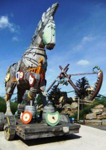 Het paard Troy en Scorpios in Toverland - Foto: (c) Parkplanet