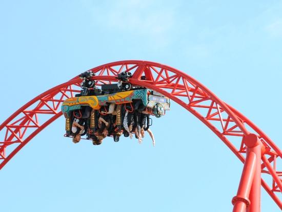 Een van de loopings in achtbaan Huracan - Foto: Belantis / Westend. Public Relations GmbH