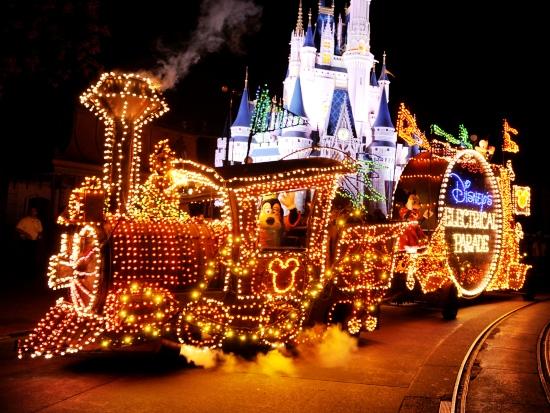 Main Street Electrical Light Parade in het Magic Kingdom in Walt Disney World - Foto: (c) Disney