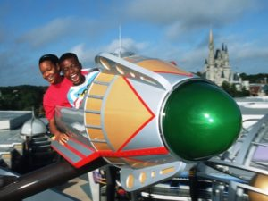 Astro Orbiter in het Magic Kingdom in Walt Disney World - Foto: (c) Disney