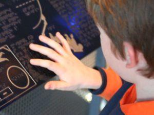 Bord in braille - Foto: Centralasian