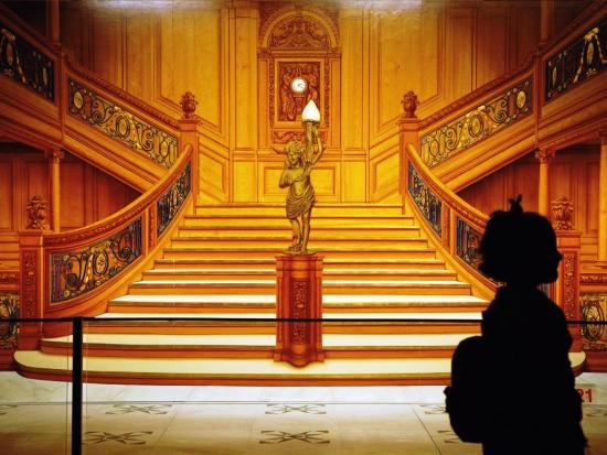De nagebootste hal van de Titanic - Foto: Tivoli, (c) Claes-Göran Wetterholm