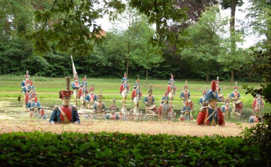 Waterloo ligt er verloren bij in de Poort van Heusden - Foto: Ad van Kessel