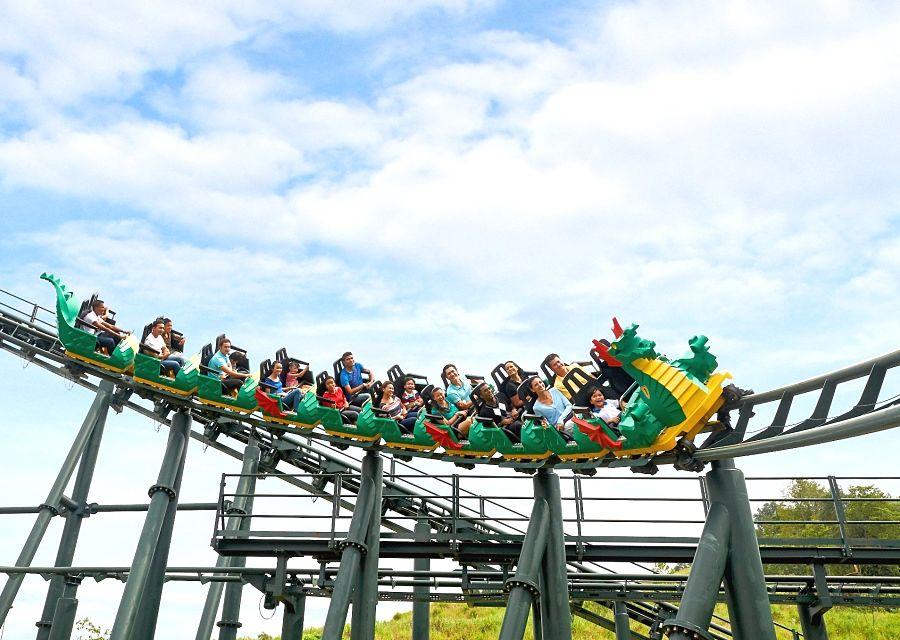 Achtbaan The Dragon in Legoland Malaysia