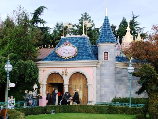 Het Princess Pavilion in Disneyland Paris - Foto: (c) Parkplanet