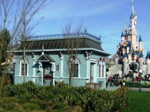 Het regiegebouw van Disney Dreams in Disneyland Paris - Foto: (c) Parkplanet