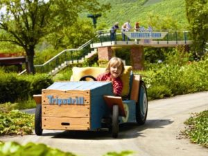 Ouderwets in een zeepkist rijden in Erlebnispark Tripsdrill