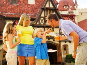 Lekkere en gezonde bakkerswaren in het Duitsland-paviljoen in Epcot - Foto: (c) Matt Stroshane, Disney