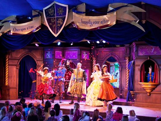 Kindertheatershow met Belle in Fantasy Faire - Foto: (c) Disney, Paul Hiffmeyer