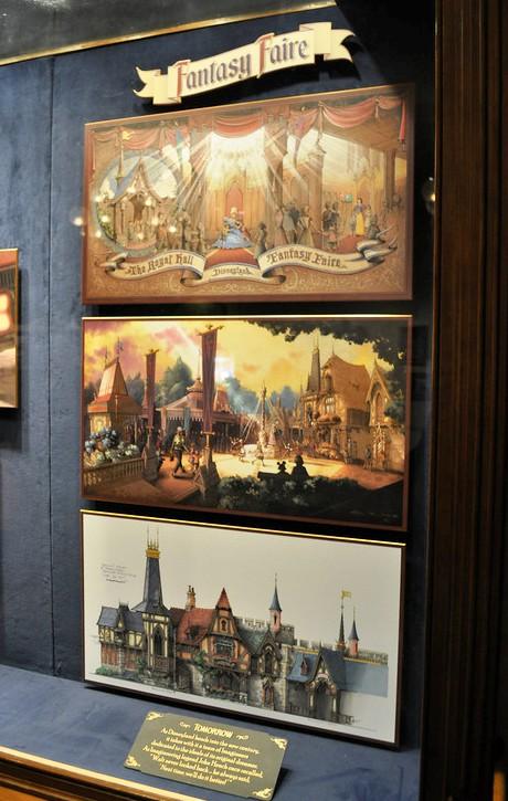 In de Disney Gallery in Disneyland hangt origineel artwork van Fantasy Faire (Foto: Conner Purzycki)