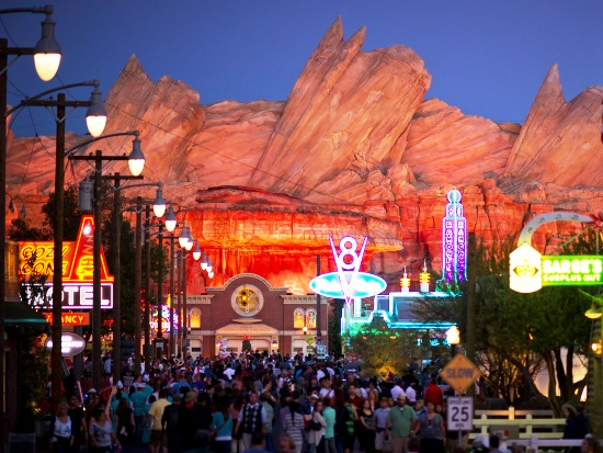 dca cars land themagebied avond 13pers