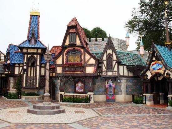 Fantasy Faire in Disneyland, ontworpen door Michel den Dulk - Foto: (c) Disney, Paul Hiffmeyer