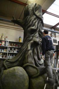 In Asten wordt een boom gemaakt voor de darkride Thors Hammer in het Noorse attractiepark Tusenfryd - Foto: (c) P&P Projects
