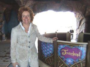 Toverland-directeur Caroline Maessen in Djengu River - Foto: Adri van Esch, Parkplanet