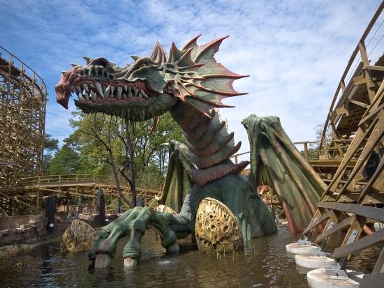 De draak bij Joris en de Draak in de Efteling, vervaardigd door P&P Projects