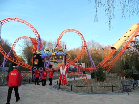 De decoratie van Speed of Sound in Walibi Holland komt van P&P Projects
