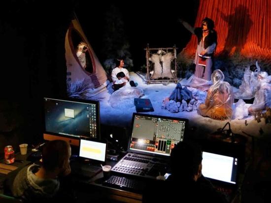 De scène van Devils Tower wordt geprogrammeerd - Foto: JoraVision / Vulcania