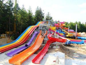 Aan slidepark Aquaventura in Avonturenpark Hellendoorn wordt nog hard gewerkt - Foto: Avonturenpark Hellendoorn