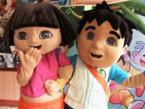Nick-sterren Dora en Diego in Movie Park Germany - Foto: (c) Adri van Esch, Parkplanet