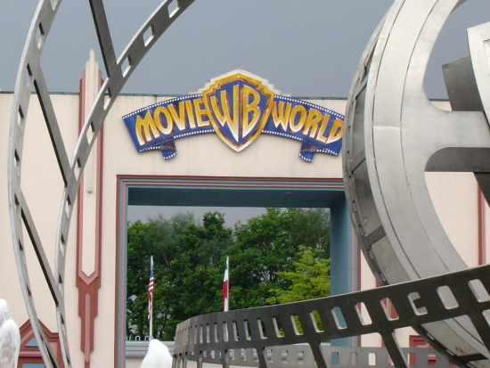 De ingang van Warner Bros. Movie World