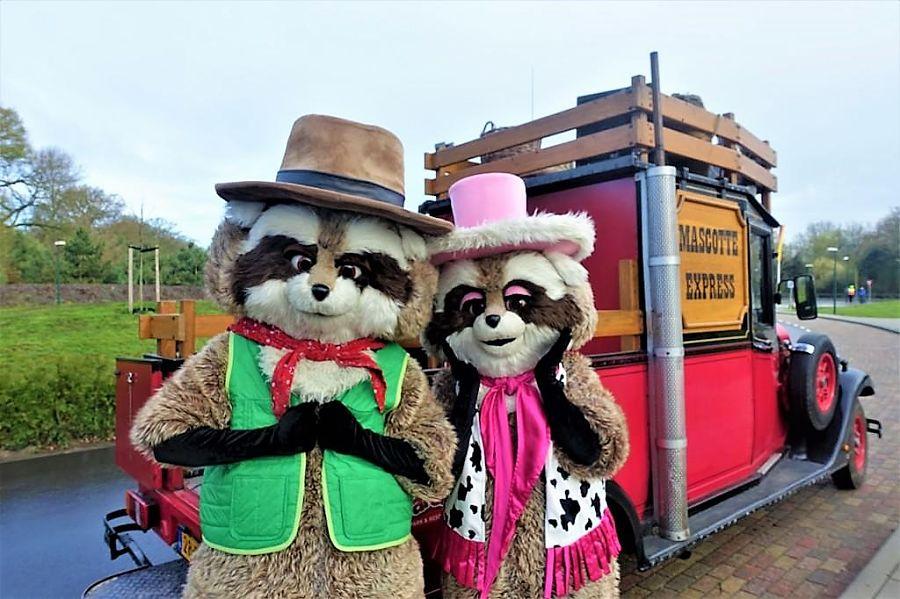 Mascottes Randy en Rosie in Attractiepark Slagharen – Foto: © Adri van Esch