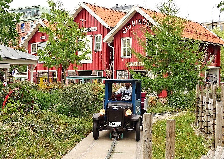 Oldtimers in Liseberg – Foto: © Adri van Esch