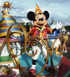 Een feestende Mickey in Walt Disney World - Foto: (c) Adri van Esch