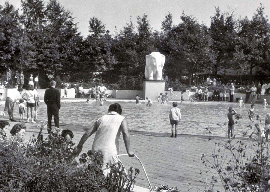 Het Kleuterbad met de witte olifant in de Efteling