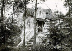 1960: Het nieuwe huisje van de oma van Roodkapje in de Efteling