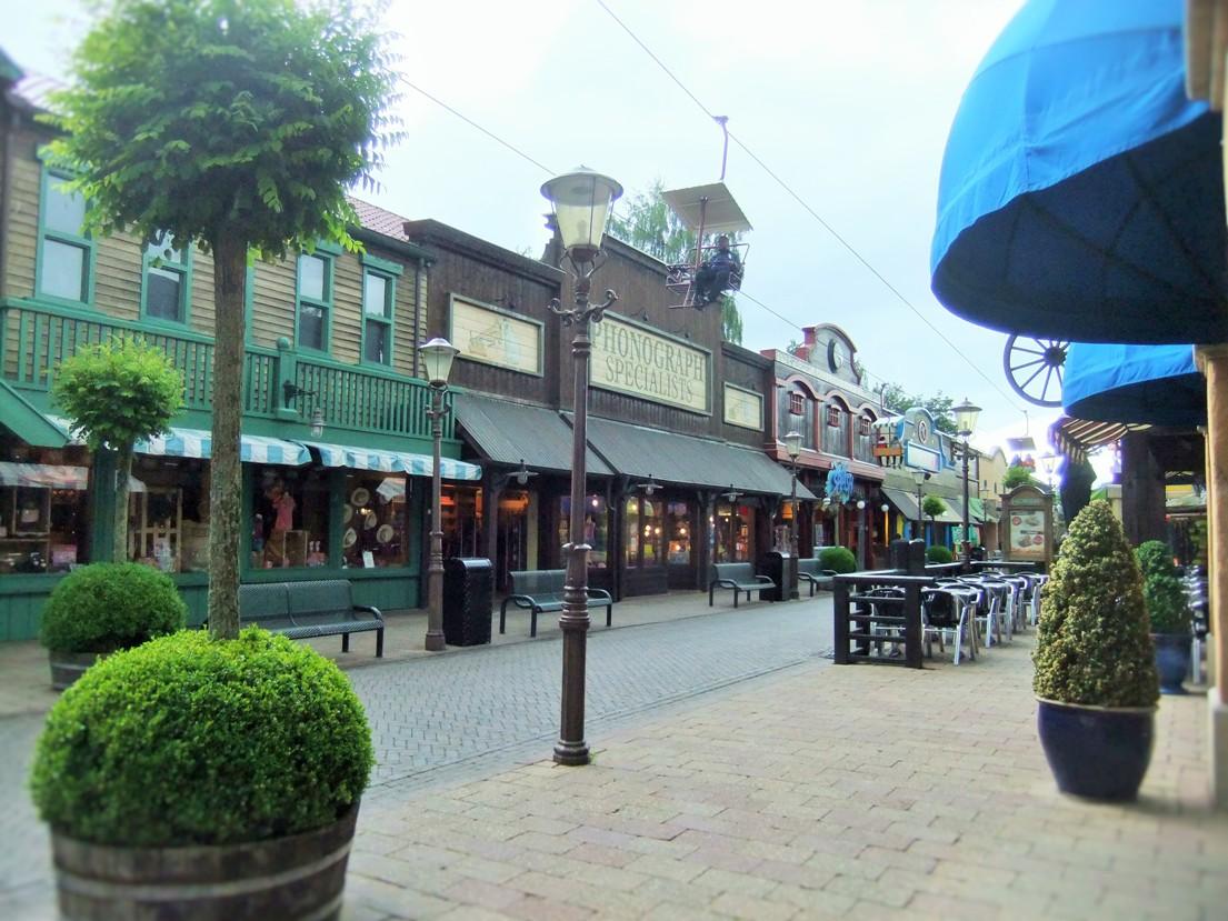 Main Street in Attractiepark Slagharen - Foto: (c) Parkplanet
