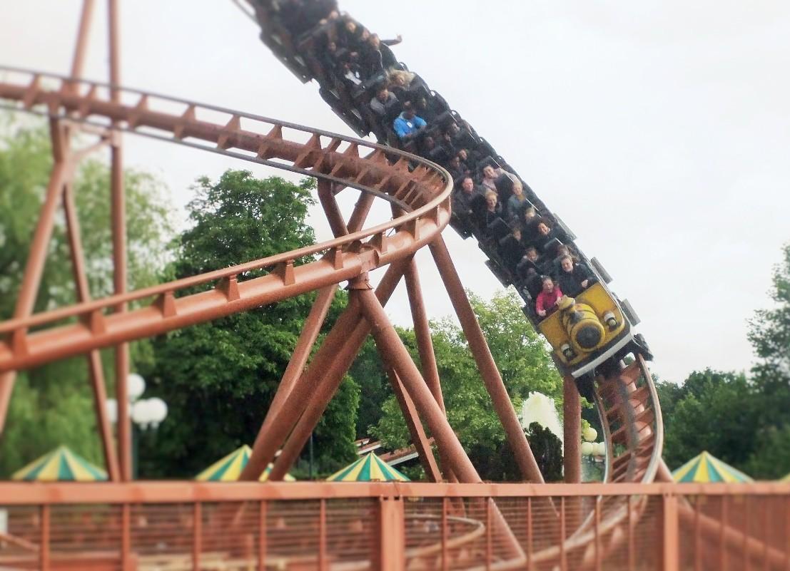 Thunder Loop in Attractiepark Slagharen - Foto: (c) Parkplanet