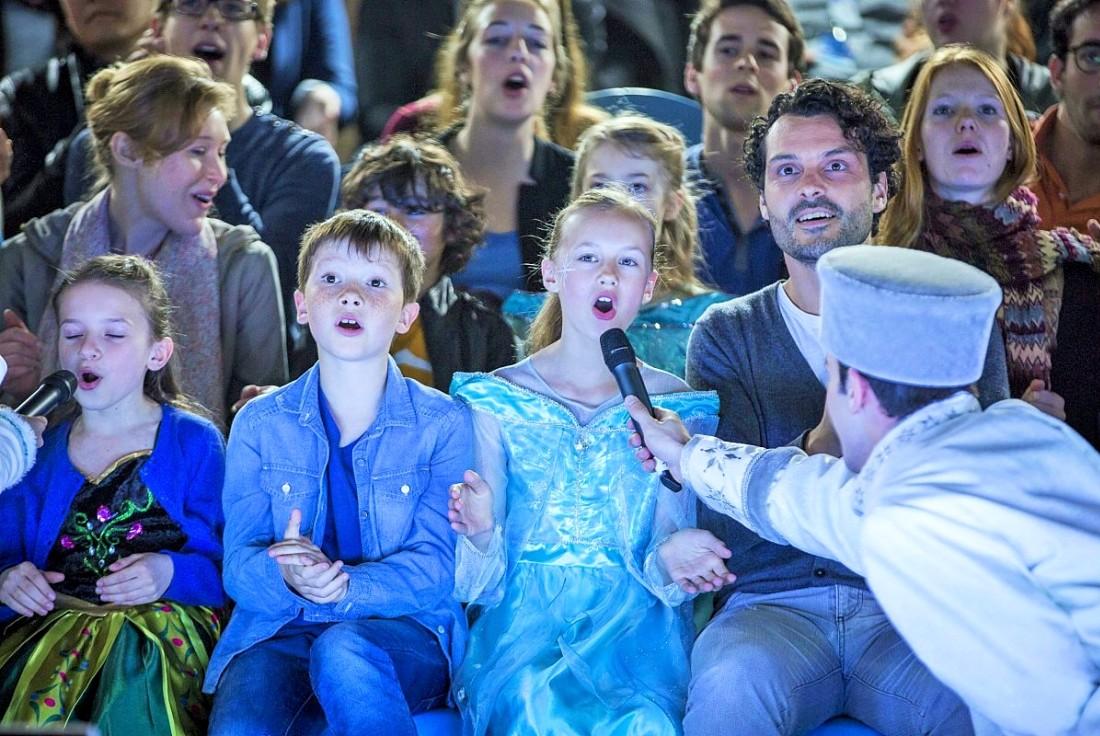 Meezingen bij de Frozen Sing-a-long in Disneyland Paris - Foto: (c) Disney
