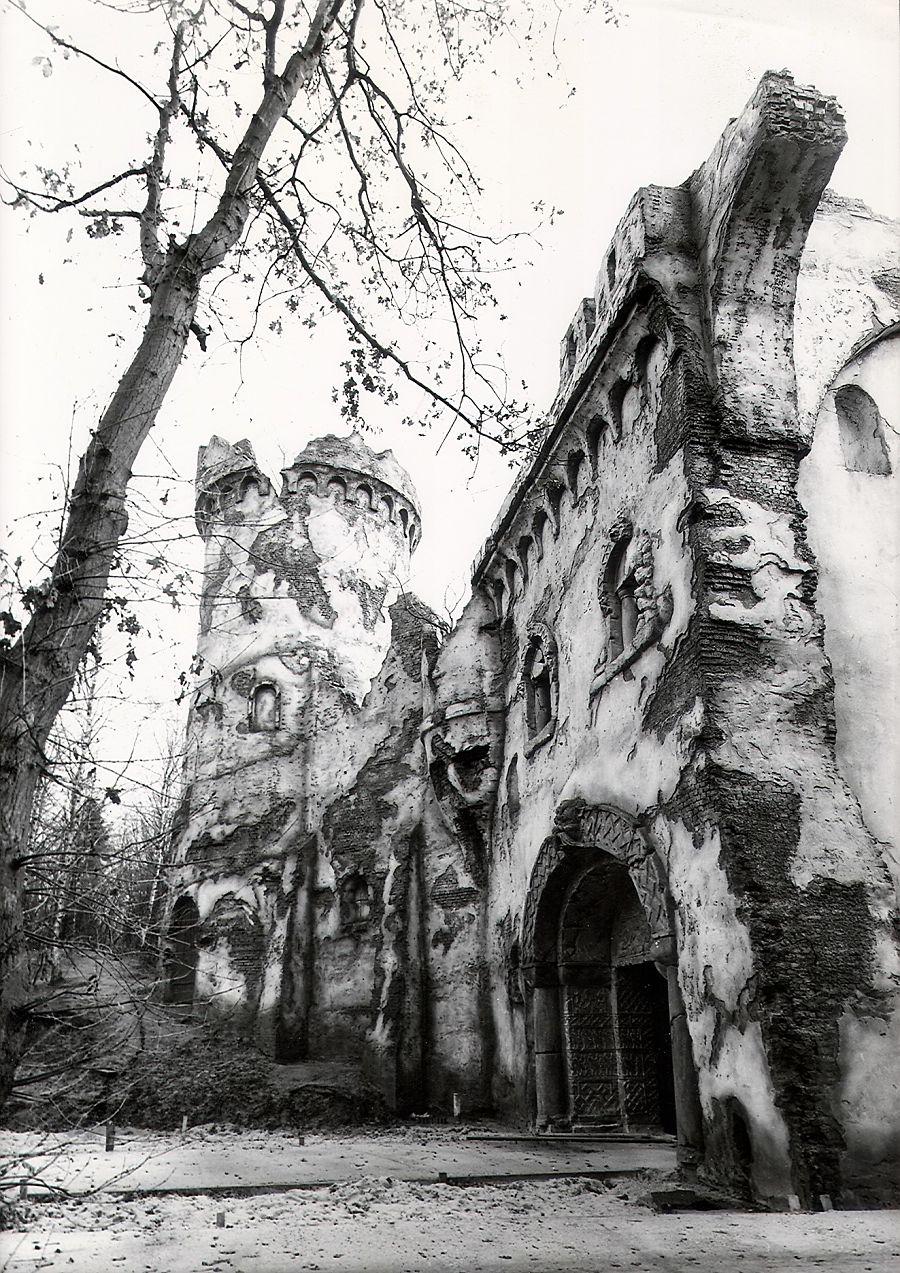 In 1978 krijgt de Efteling er het Spookslot bij
