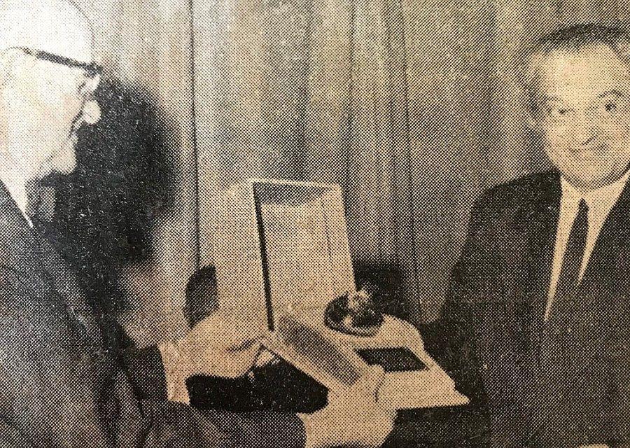 De overhandiging van de Pomme d'Or op 30 maart 1972 aan de Efteling - Beeld uit eigen collectie